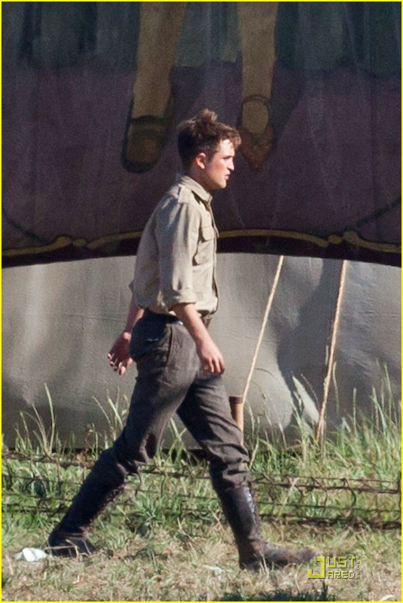 robert pattinson puppy elephants 10