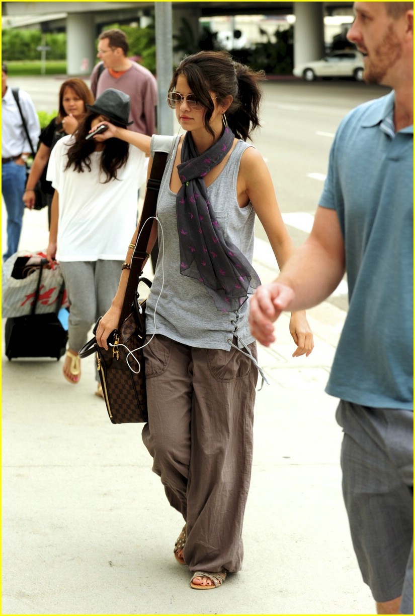 selena gomez lax lovely 05