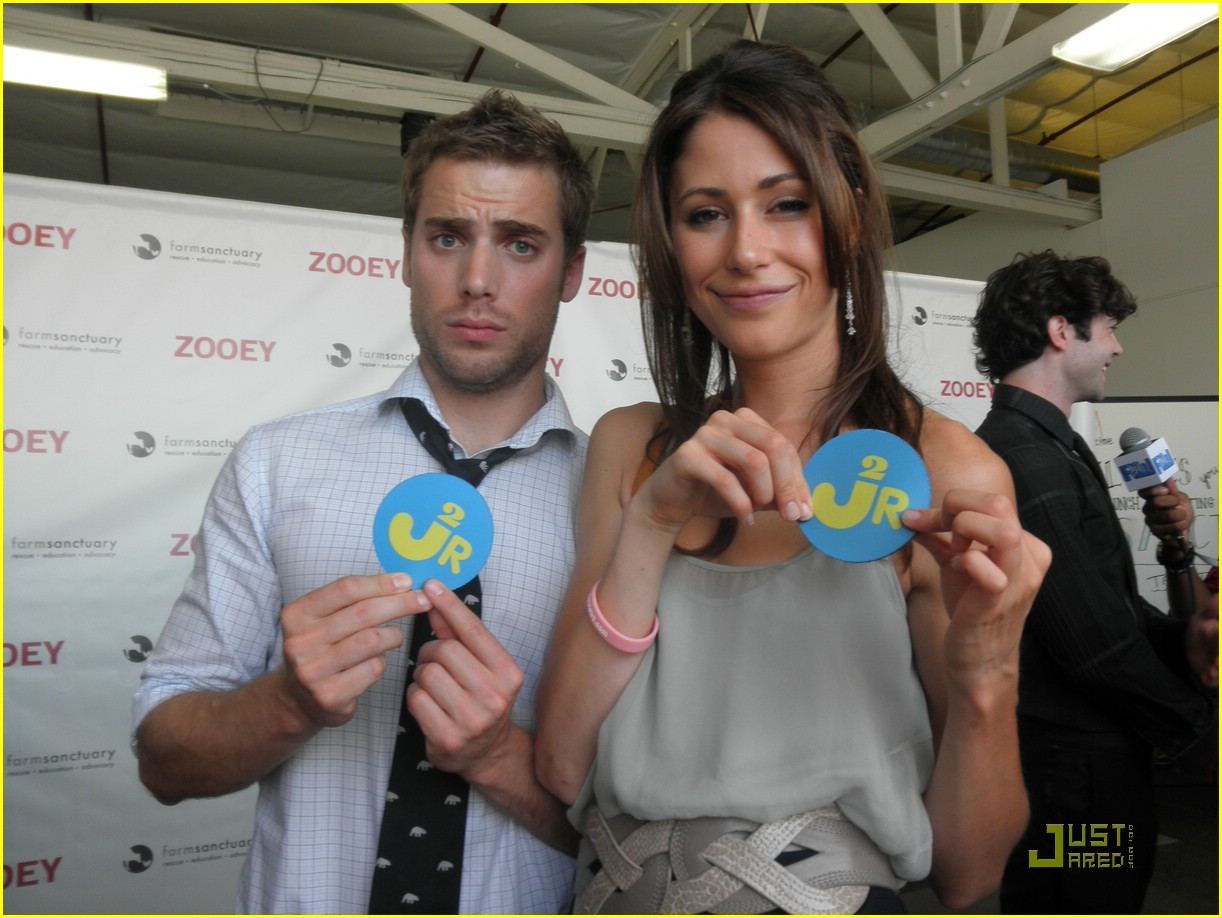 amanda crew dustin milligan relive repeat 02