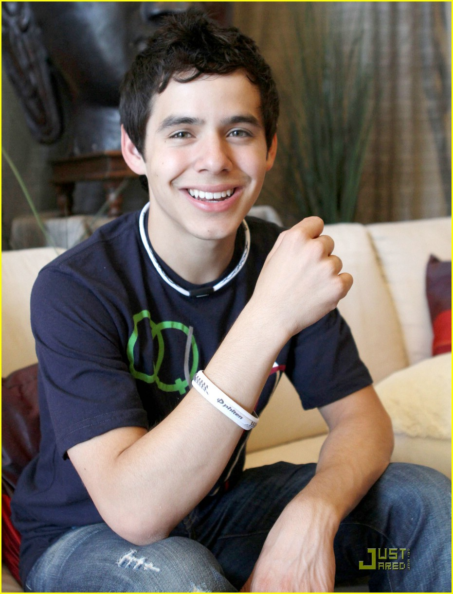[Image: david-archuleta-other-side-october-07.jpg]