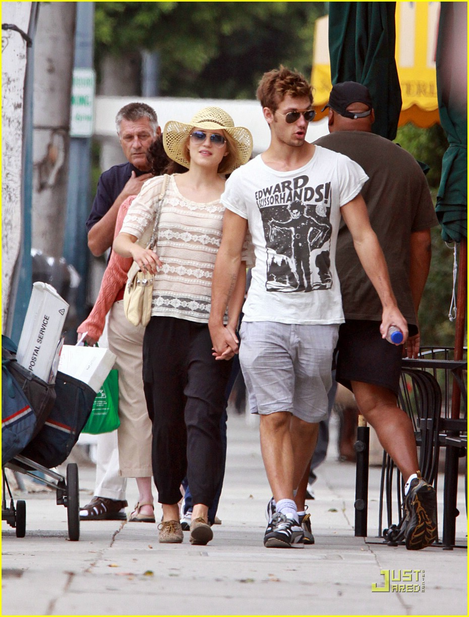 dianna agron alex pettyfer skittles 02
