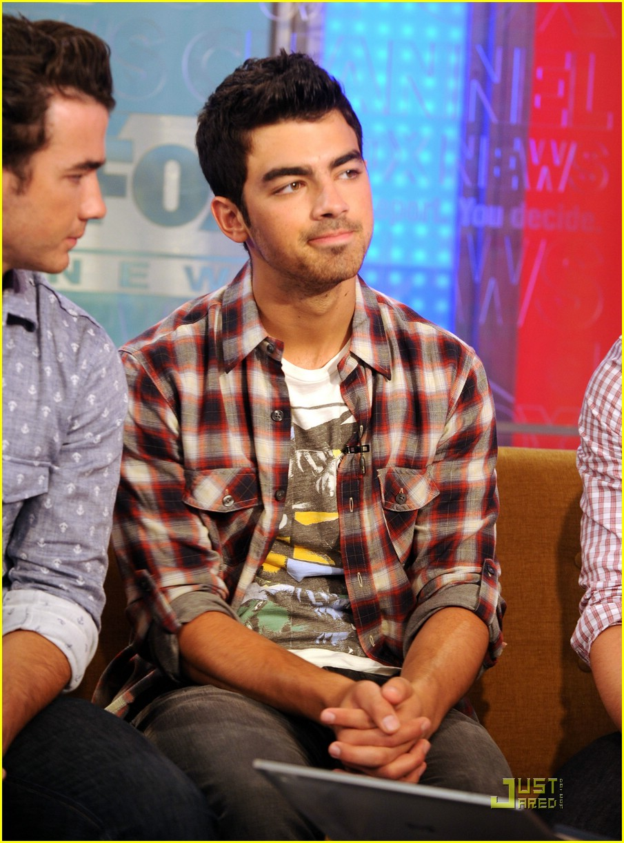 jonas brothers fox friends 04