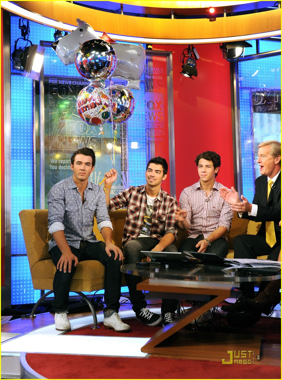 jonas brothers fox friends 16