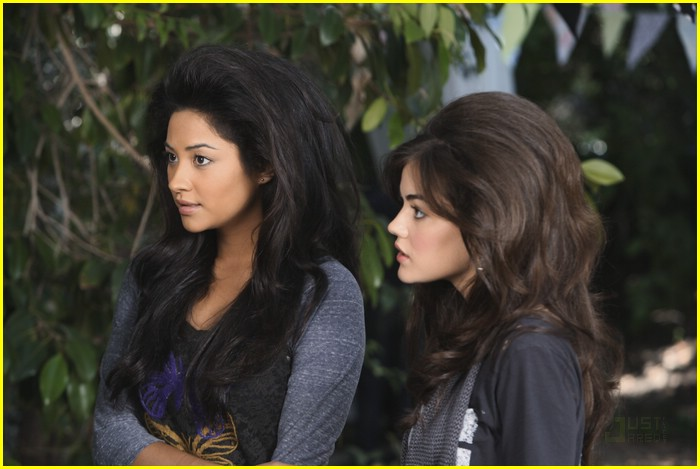 lucy hale shay mitchell blowouts 08