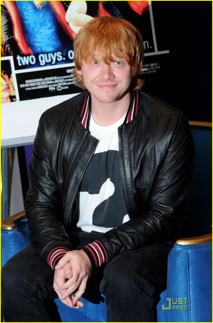 rupert grint cherry apple store 06