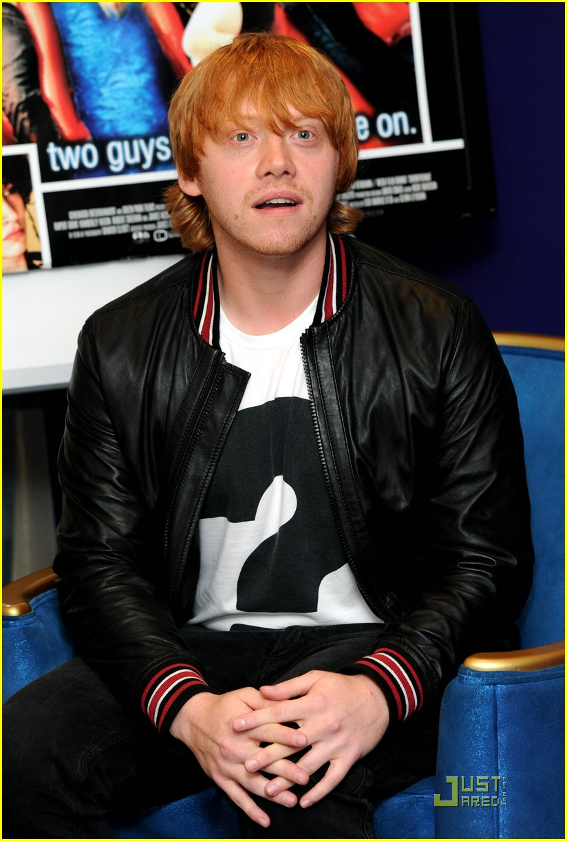 rupert grint cherry apple store 09