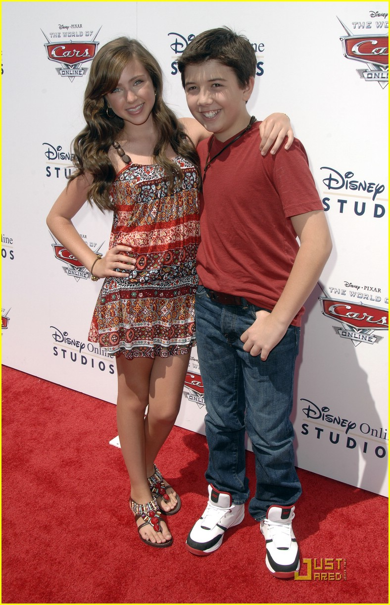 This Photo Set  Good friends Ryan Newman and Bradley Steven Perry    Bradley Steven Perry And Ryan Newman Kissing