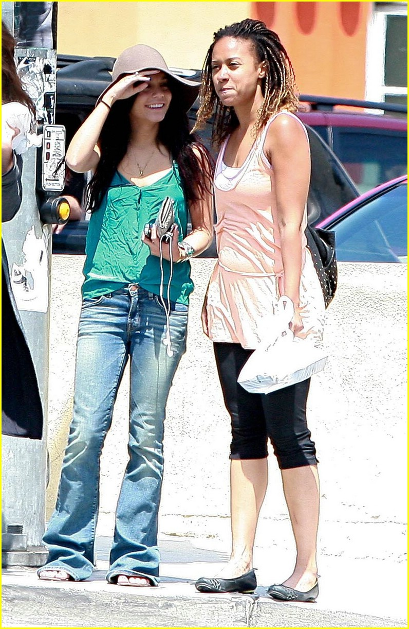 vanessa hudgens tracie thoms lunch 02