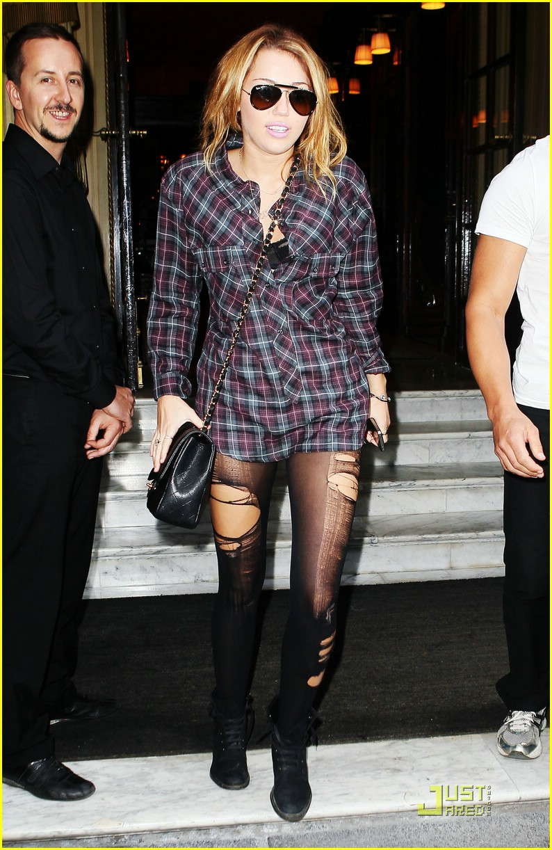 miley cyrus paris party ashley greene 21