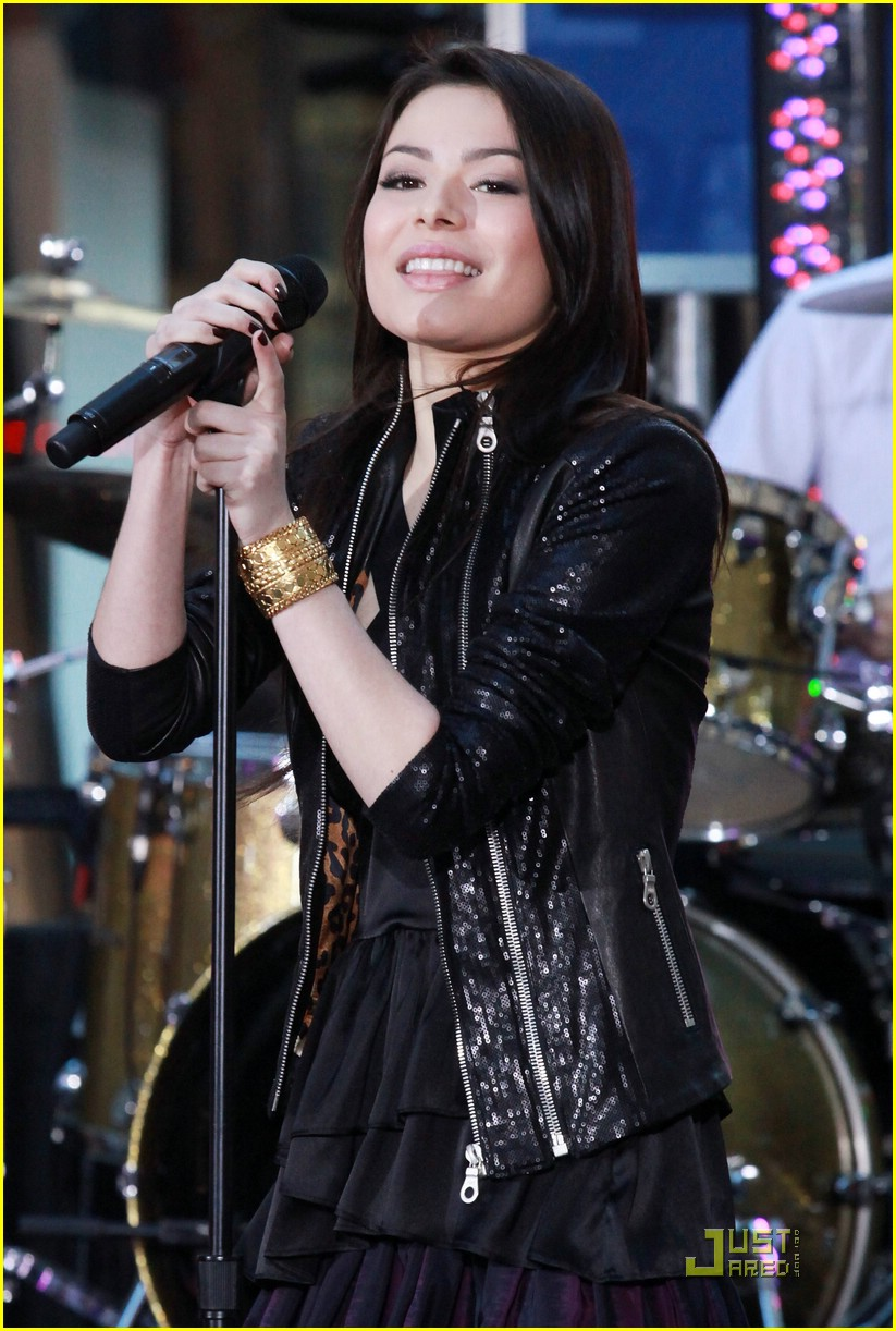 miranda cosgrove today show 18