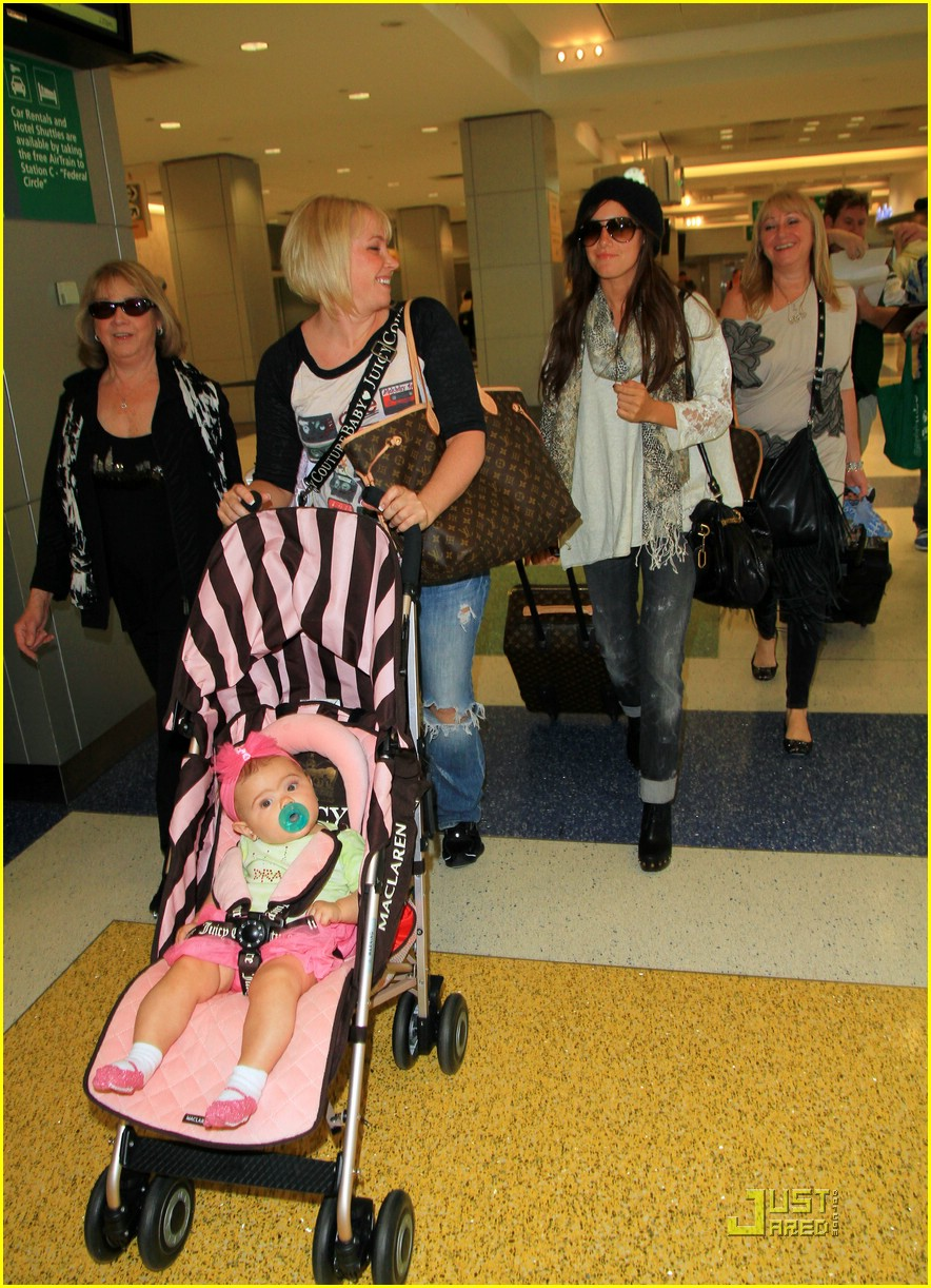ashley tisdale family nyc 02