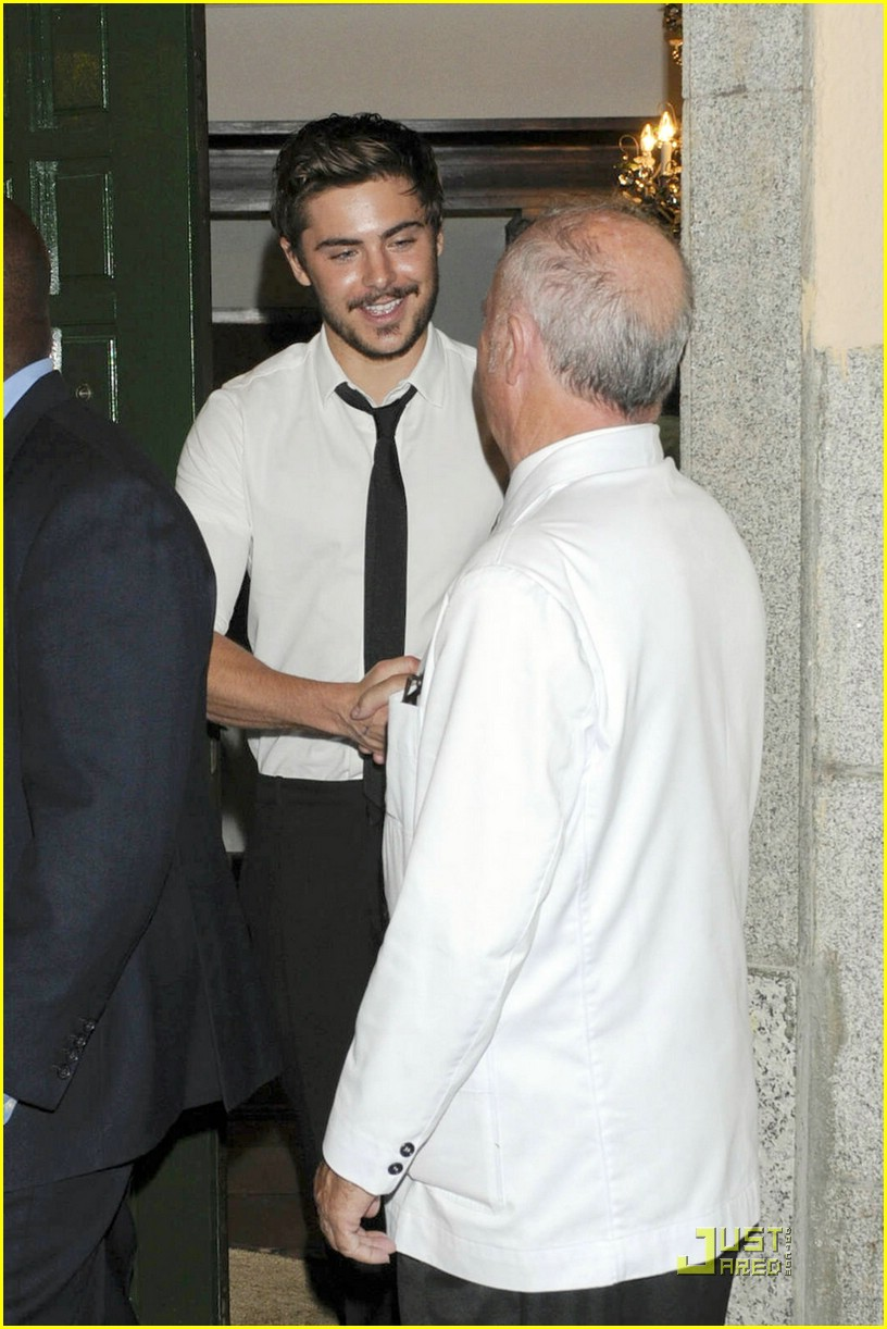 zac efron dinner premiere germany 01