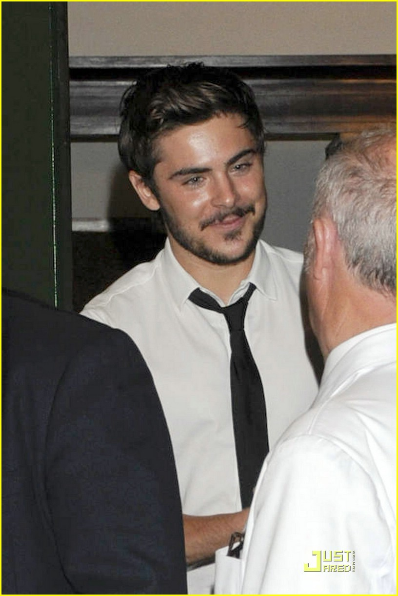 zac efron dinner premiere germany 11