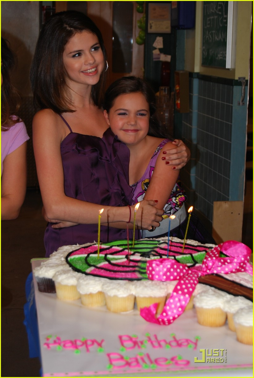 bailee madison cold stone katie holmes 02