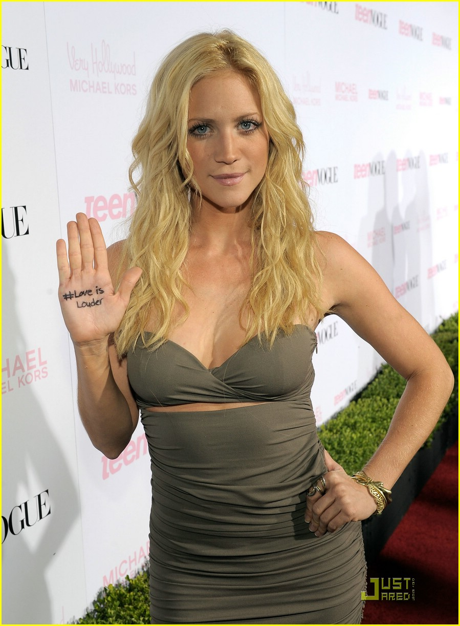 brittany snow ryan love louder 01