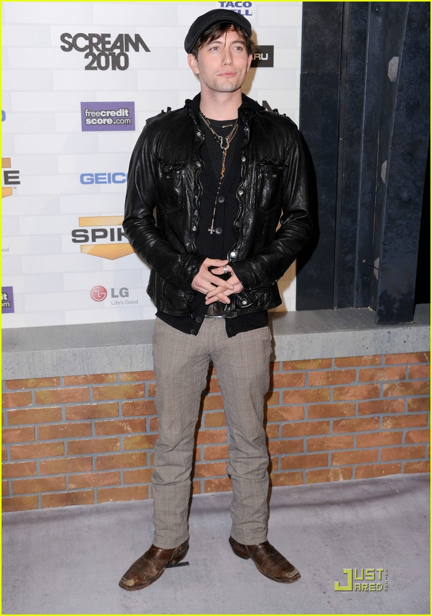 jackson rathbone nikki reed scream awards 01