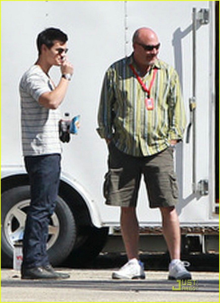 taylor lautner robert pattinson baton rogue 01