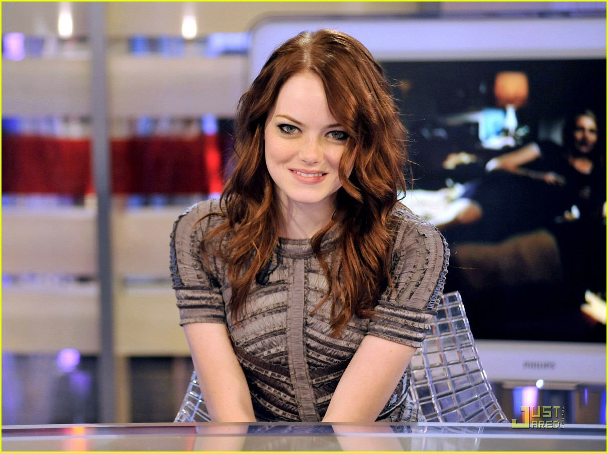 Emma stone a different hair color changes everything photo emma stone easy a madrid 00 urmus Choice Image