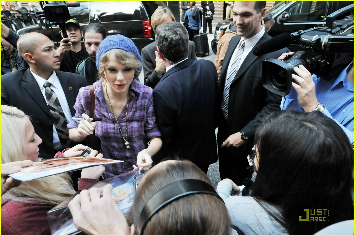 taylor swift letterman lovely 04