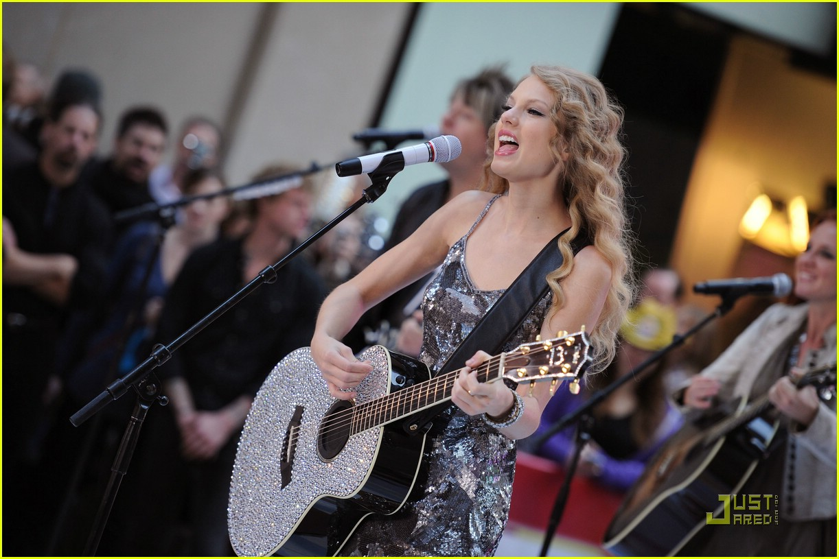 taylor swift rockefeller center 29