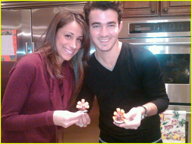 jonas family thanksgiving pics 03
