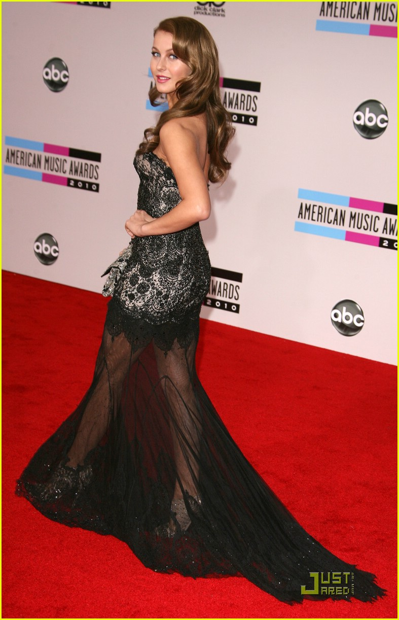 julianne hough 2010 amas 13