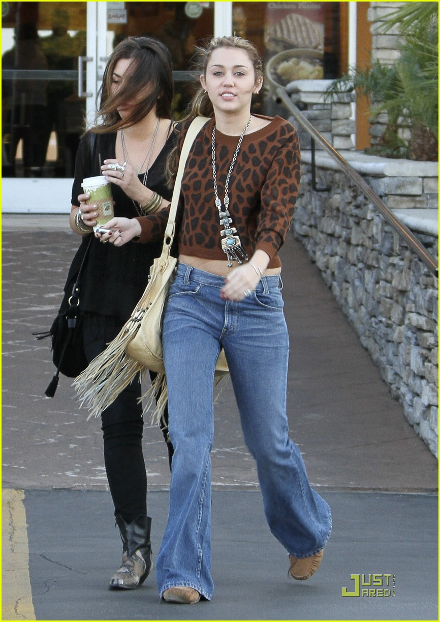 miley cyrus studio city stylin 01