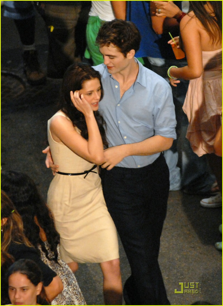 robert pattinson kristen stewart kiss rio 02