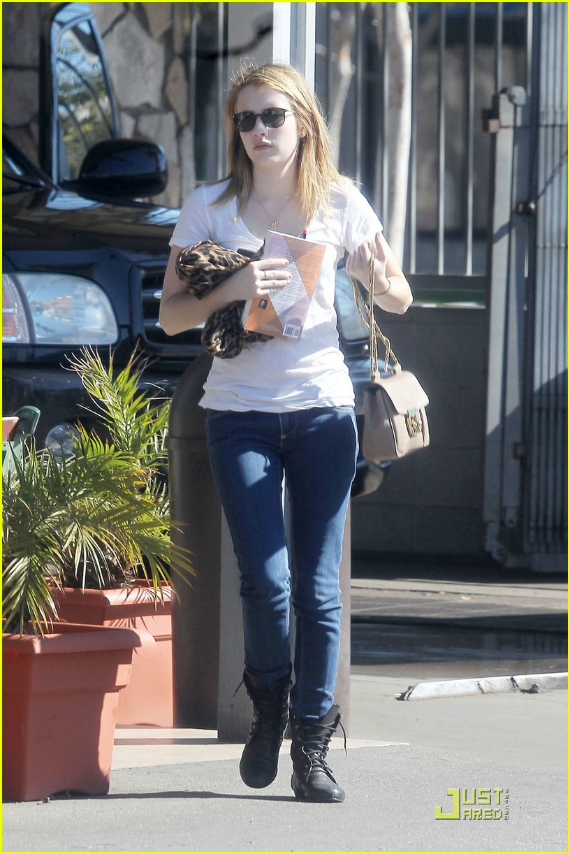 emma roberts car wash 13