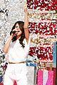 Selena-parade selena gomez disneyland parade 01
