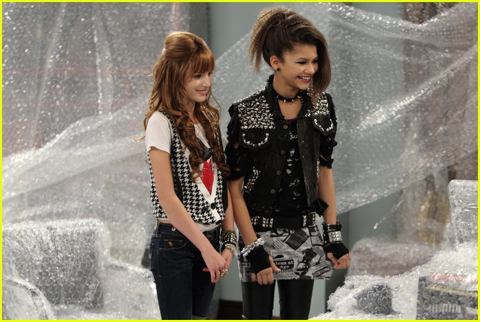 zendaya cat deeley shake it up 03
