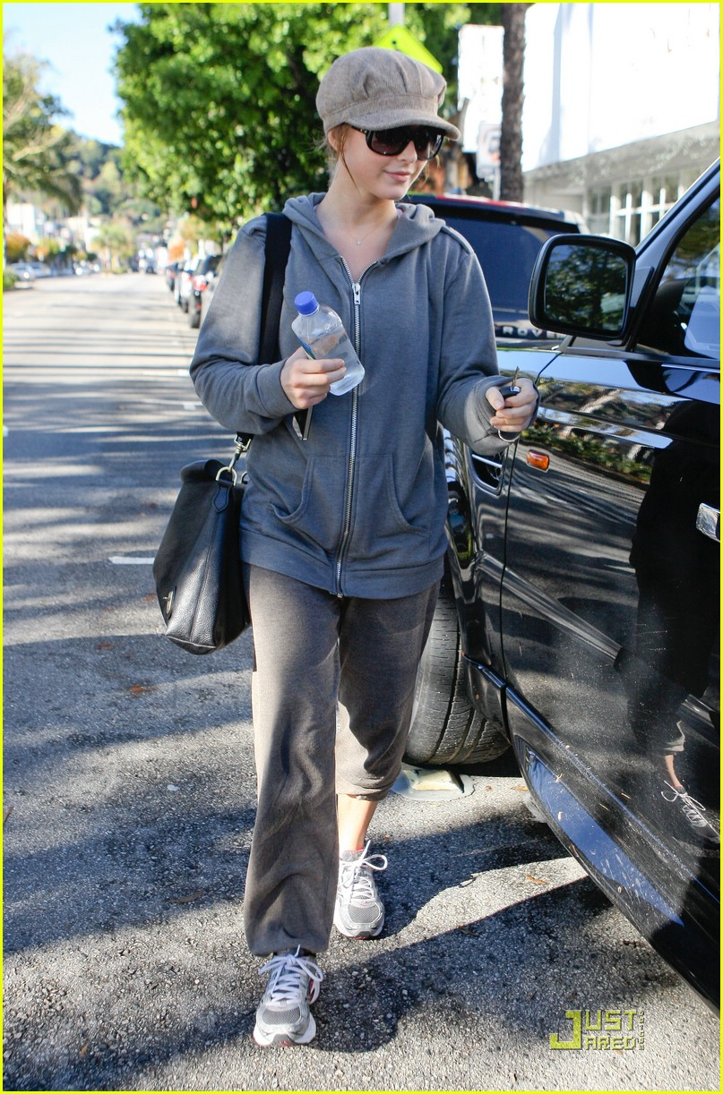 julianne hough jamba juice gym 21