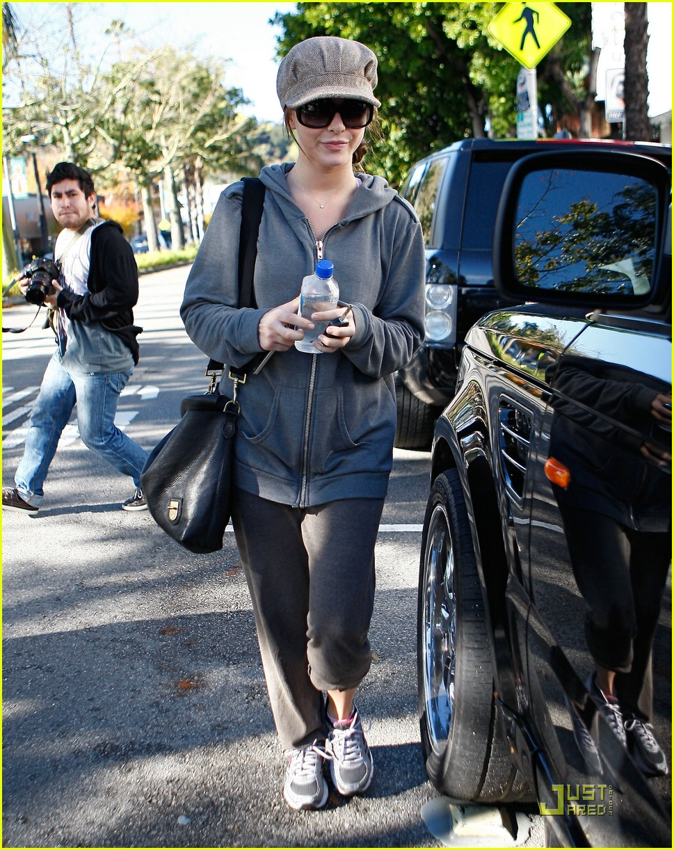 julianne hough jamba juice gym 25