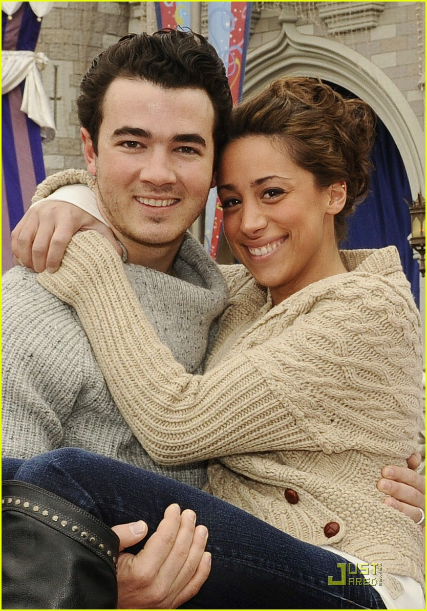 kevin danielle jonas anniversary 01