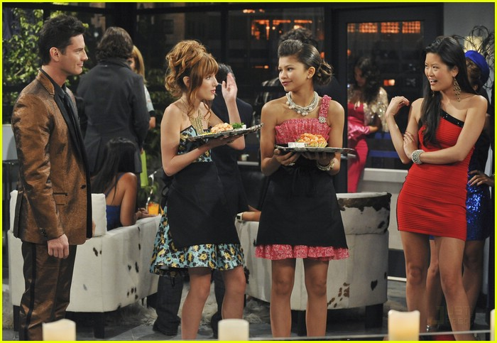 zendaya bella thorne party up 09