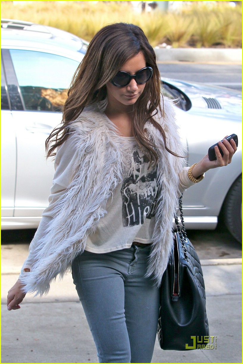 ashley tisdale fuzzy vest 06