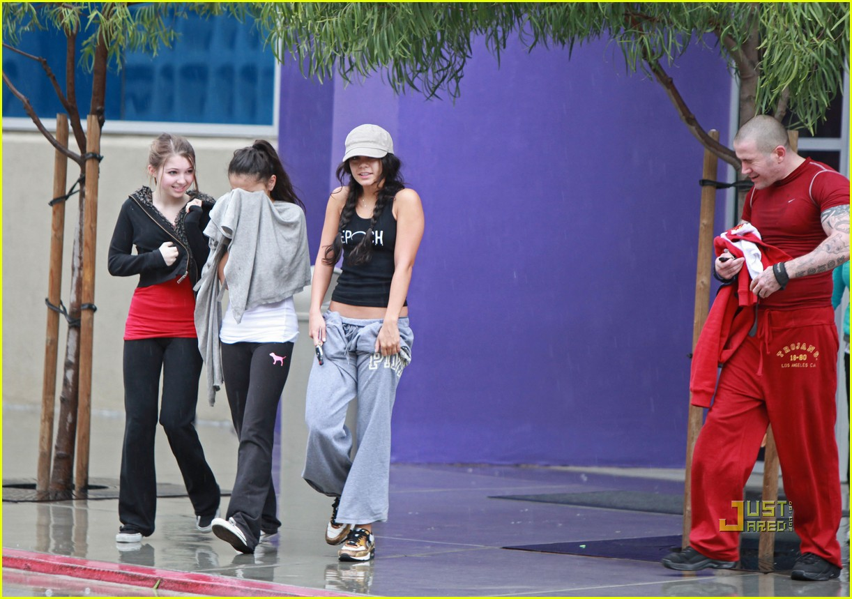 vanessa hudgens rainy day gym 06