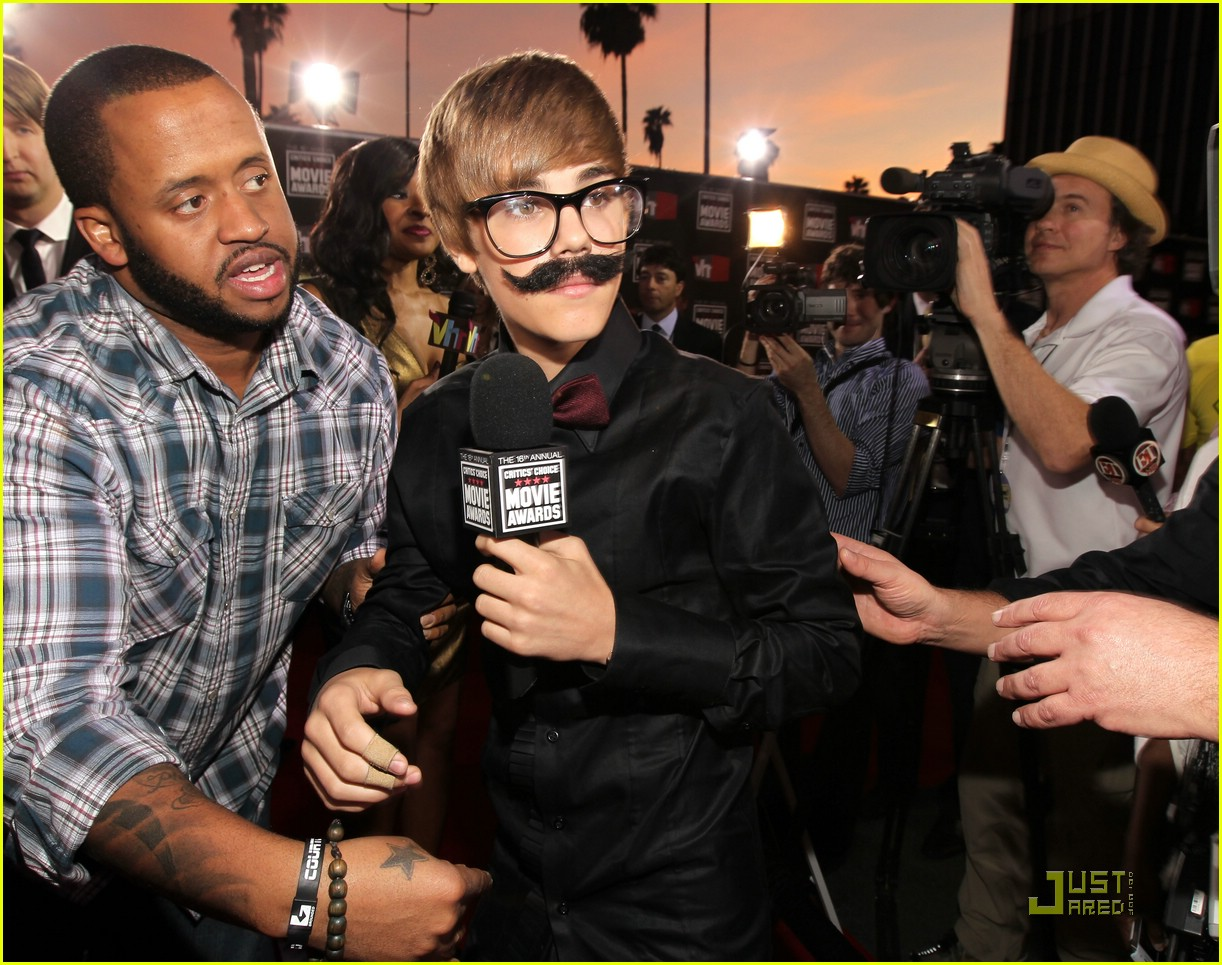 justin bieber critics choice 01