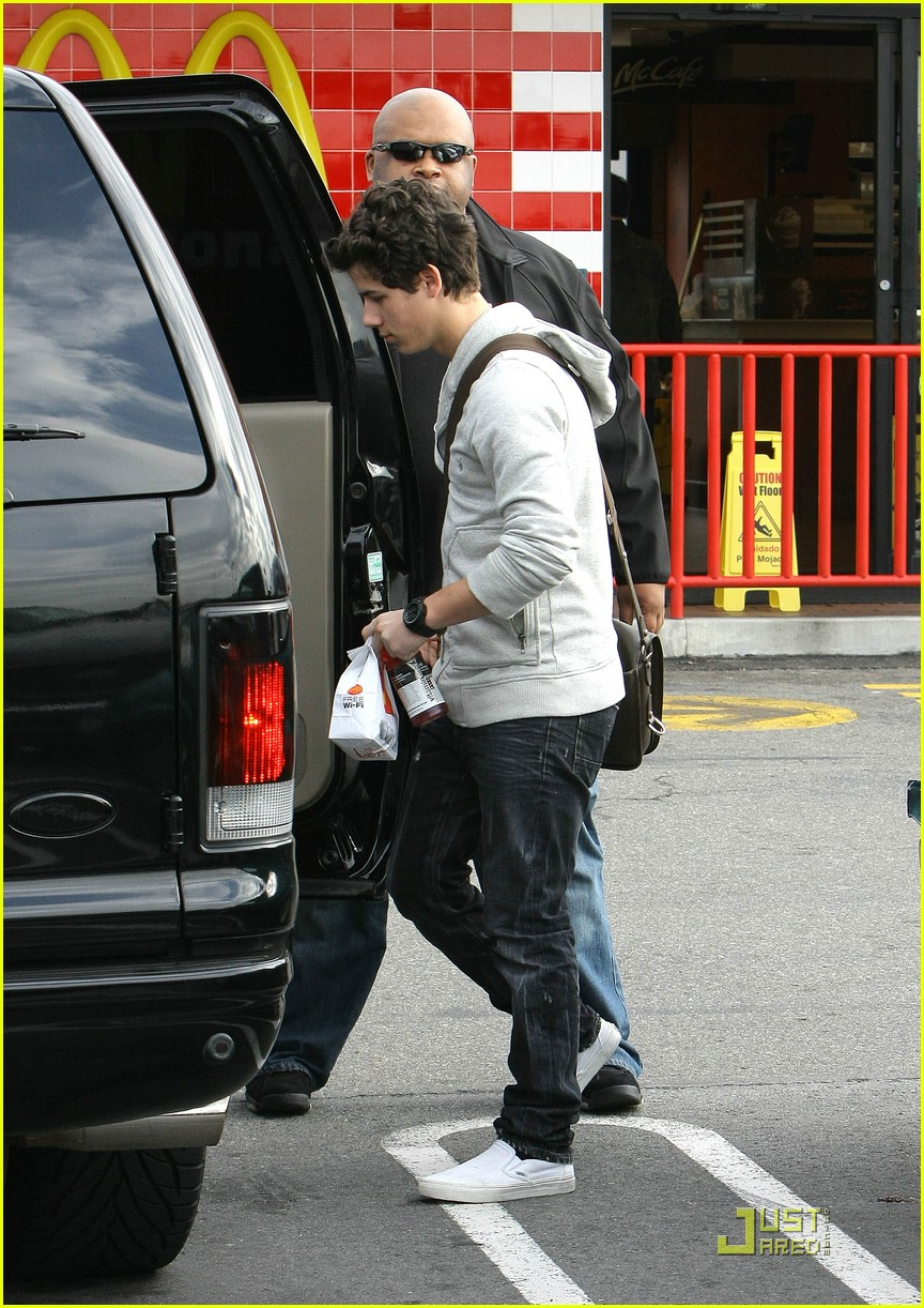 nick jonas mcdonalds 11