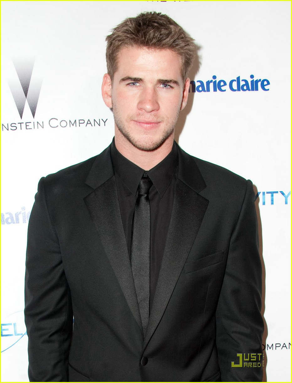 renee olstead liam hemsworth globe party 02