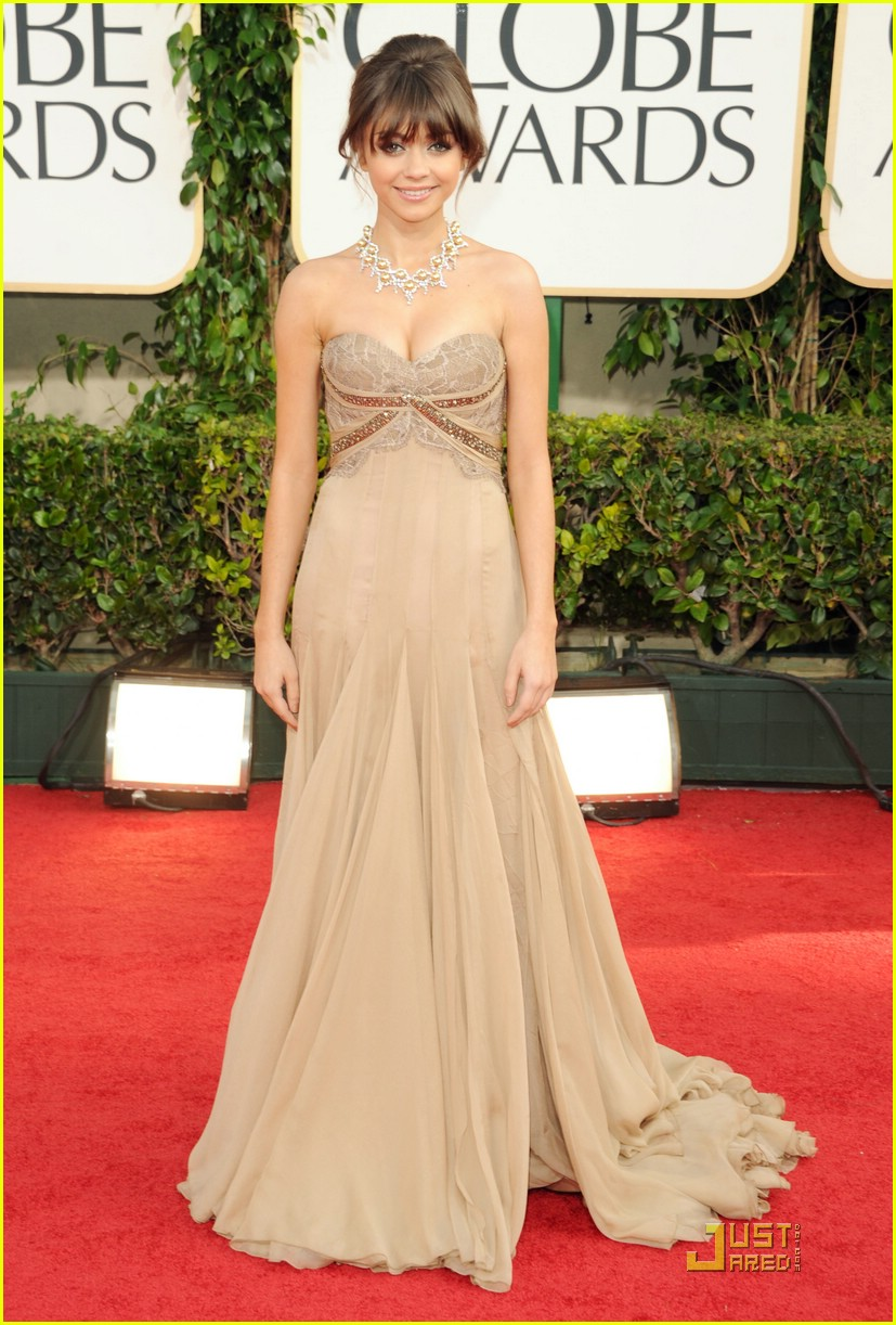 sarah hyland golden globes 08