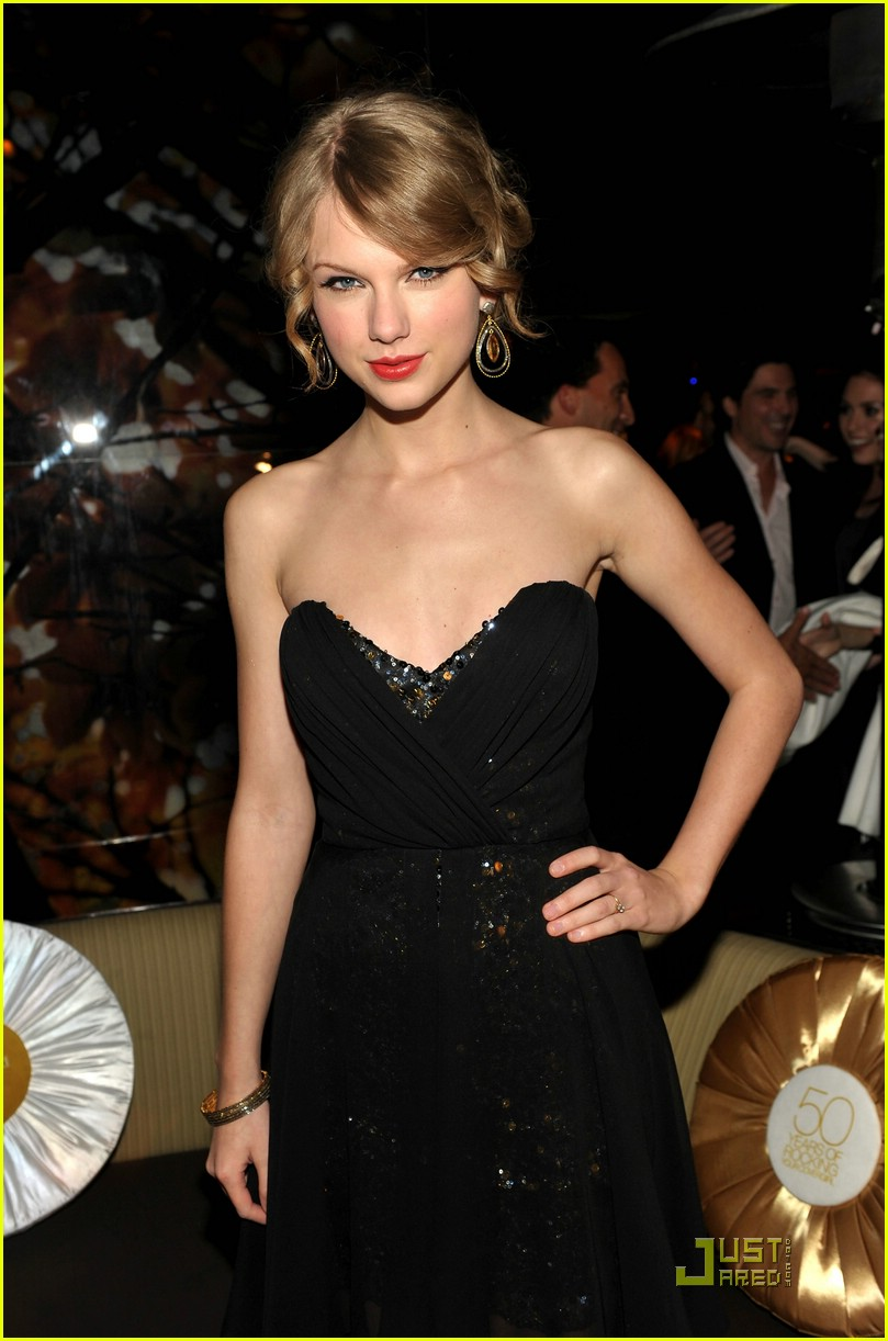 taylor swift covergirl anniversary 19