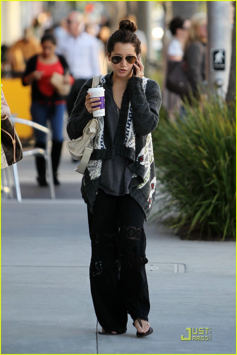 ashley tisdale jjj lopez tonight 05