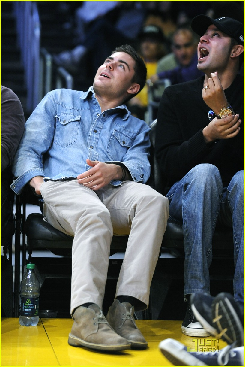 zac efron lakers george lopez 03
