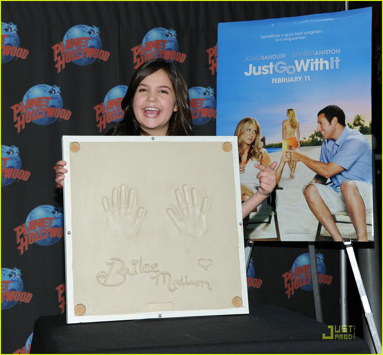 bailee madison planet hollywood 09