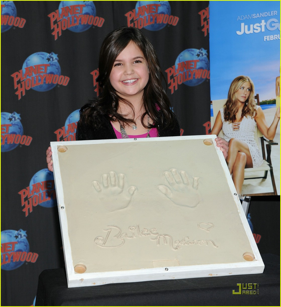 bailee madison planet hollywood 11