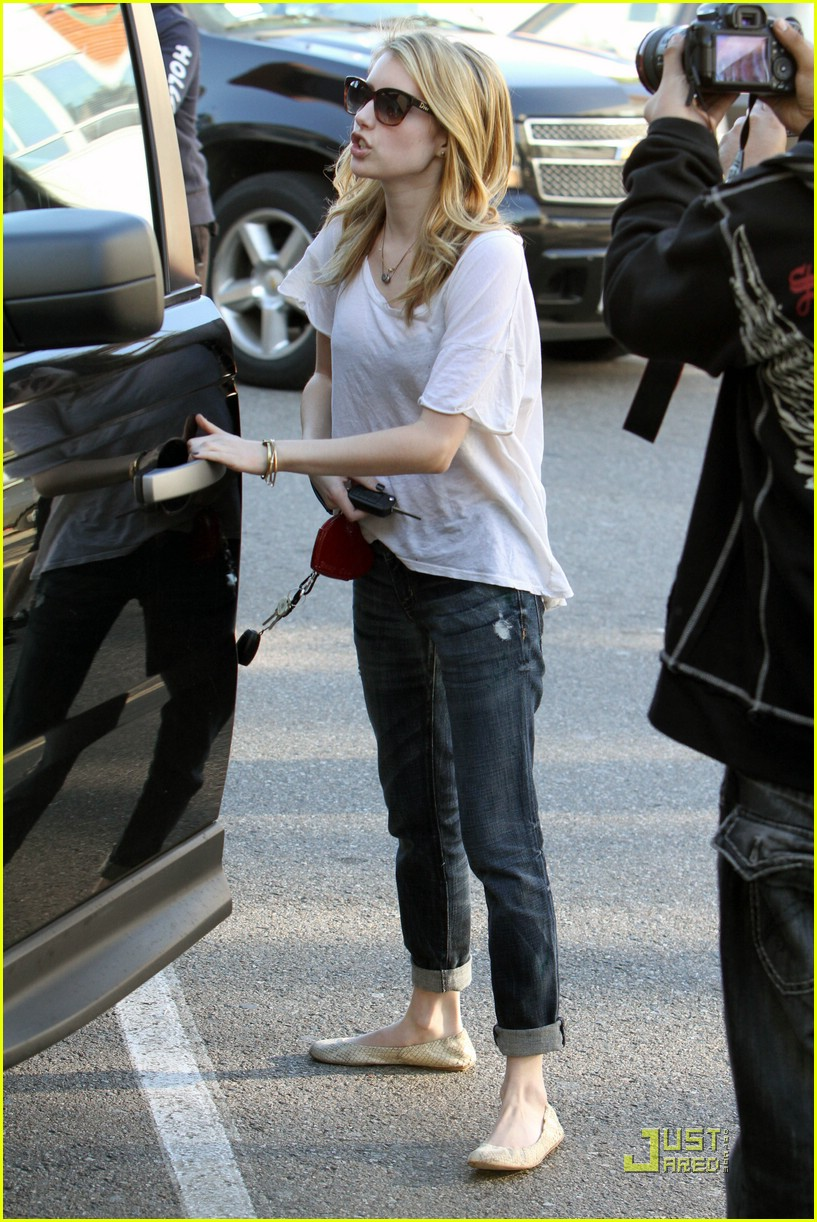 emma roberts gets organized 12