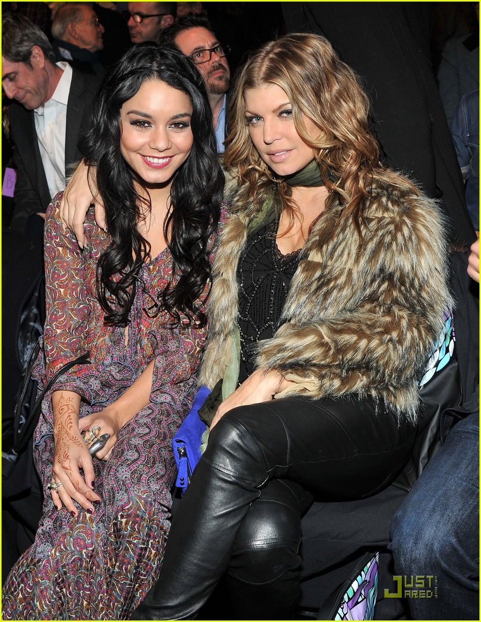 vanessa hudgens fashion week with fergie 04