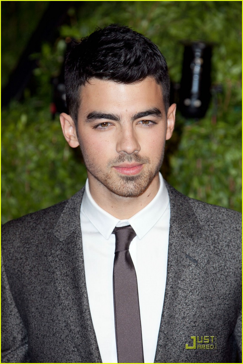 joe jonas lily collins 08
