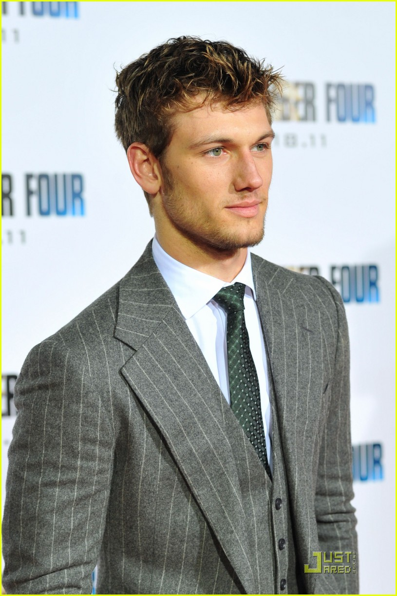 alex pettyfer number four premiere 03